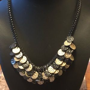 Jewelry - Black and gold circle necklace